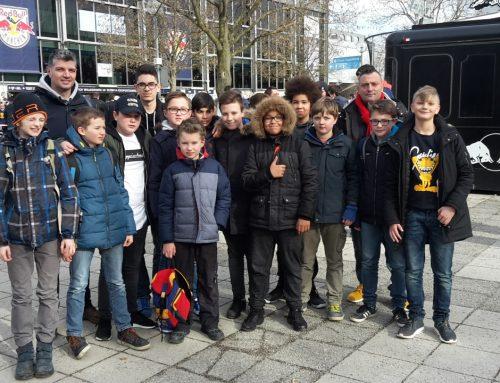 D3 besucht Eishocleyspiel des EHC RB München